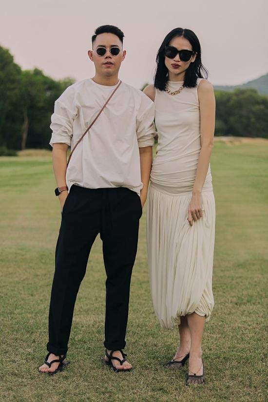 Nhà thiết kế Lâm Gia Khanh sánh đôi stylist Trương Thanh Trúc.