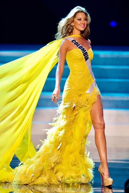 Daniella Álvarez đăng quang Hoa hậu Colomobia 2011, dự thi Miss Universe 2012 nhưng không đoạt giải. Trở về nước, cô theo đuổi công việc MC và kinh doanh.