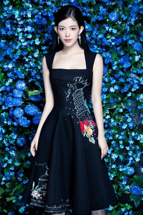 Bộ sưu tập The Flower Fairies gồm những mẫu ngắn, váy xẻ phù hợp với tiết trời mùa nóng để tham gia tiệc tùng.