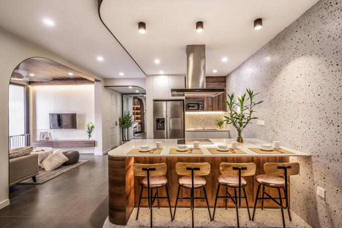 Bếp ăn nằm cạnh phòng khách, là khu vực mà gia chủ đặc biệt lưu tâm.