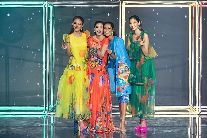 Từ trái qua: á hậu Mâu Thủy, hoa hậu Khánh Vân, hoa hậu HHen Niê, á hậu Hoàng Thùy