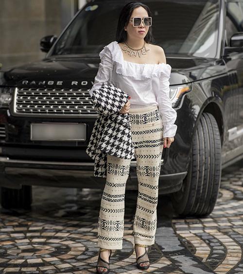 Phượng Chanel đua trend cùng dàn sao - 2
