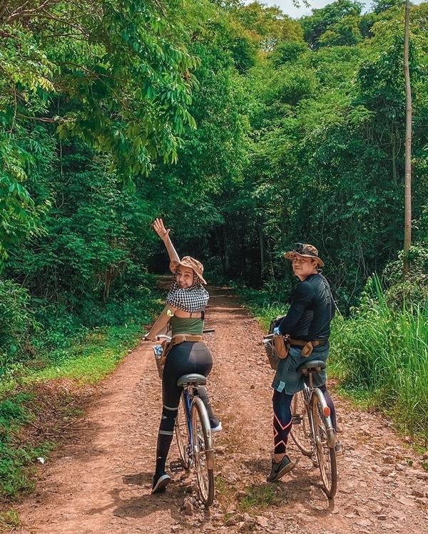 Băng Di và bạn trai doanh nhântrekking rừng Nam Cát Tiên - 3