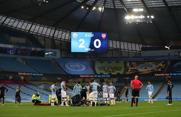 Sau va chạm, Lúc này, trận đấu đang có tỷ số 2-0 nghiêng về Man City.