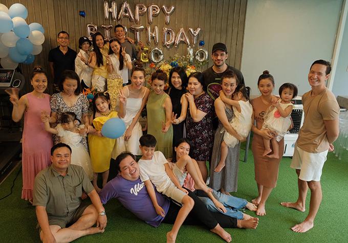 Trước đó, Subeo đã được bố Cường Đô La và mẹ kế Đàm Thu Trang tổ chức cho một bữa tiệc cùng bạn bè vào 19/6.