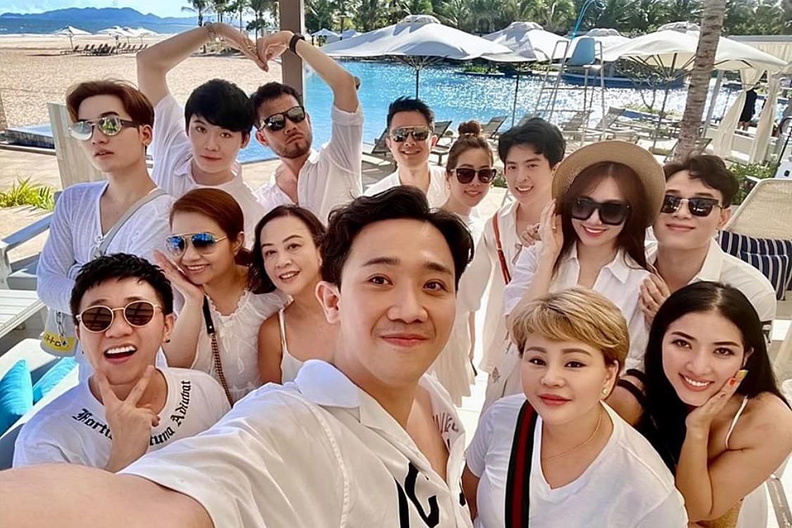Không khí biển thoáng đãng, resort có nhiều cảnh đẹp và cách xa khu dân cư... là lý do nhóm chọn nơi đây để tổ chức tiệc sinh nhật của Hari Won.