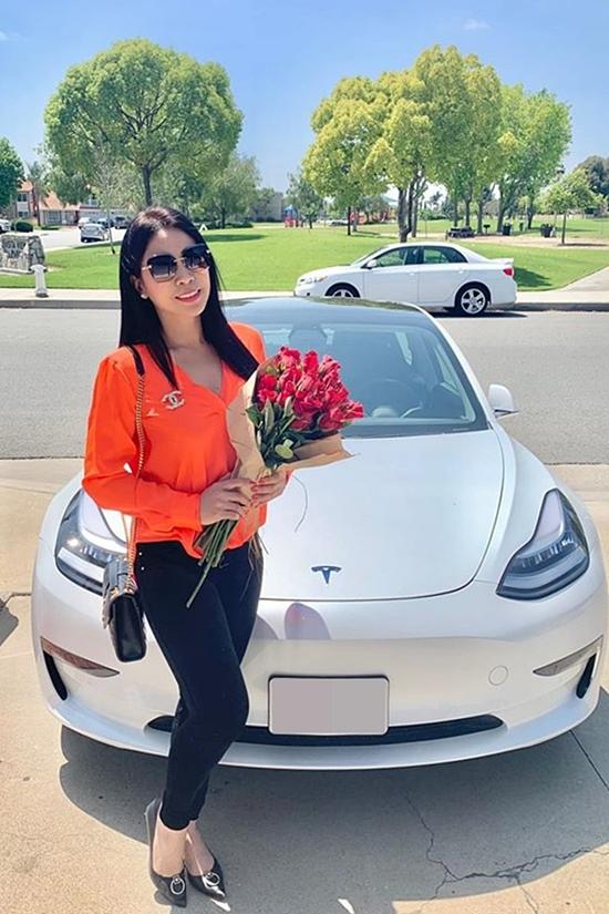 Lý Hương hiện sinh sống ở bang California cùng con gái.