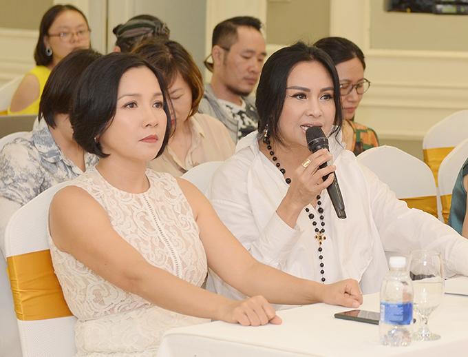 Mỹ Linh và Thanh Lam tại buổi họp báo giới thiệu liveshow Khúc hát phiêu ly chiều 22/6.