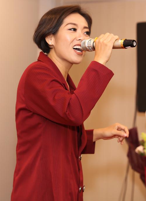 Ca sĩ Phương Anh Idol khoe diện mạo mới sau khi giảm 51 kg.
