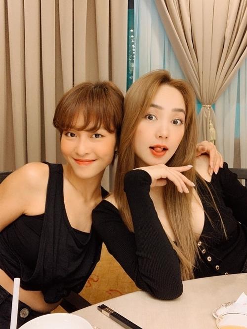 Vài ngày sau sinh nhật, Minh Hằng sẽ cho ra mắt web-dramaKẻ săn tindo cô đầu tư, sản xuất và đóng chính. Trong phim này, cô lần đầu vào vai đả nữ, hợp tác với Khả Ngân.