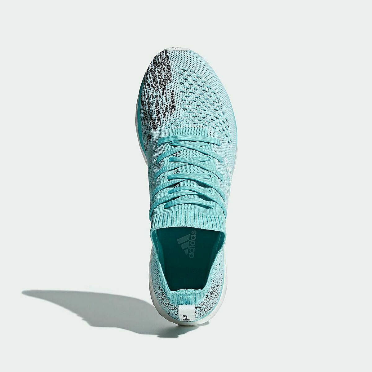 Giày thể thao chính hãng Adidas Adizero Prime Parley LTD AQ0201 giảm 50% còn 2,79 triệu đồng; phản hồi lực tốt, bền bỉ nhưng không quá cứng, êm ái và hỗ trợ cho lòng bàn chân. Khi bàn chân người mang tác động lực lên tấm boost, phần xốp sẽ hấp thụ toàn bộ phần lực đó và mang lại những phản hồi lên lòng bàn chân.Đế giày sử dụng cao su continental giúp giày bám đường và chống mài mòn cao.