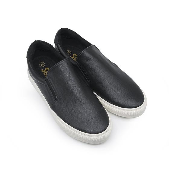 Giày lười nữ Sutumi S017 - NAPPA giá 499.000 đồng; kích thước 36, 37, 38, 39, 40, 41; thiết kế mới, phù hợp với mọi kiểu chân. Kiểu dáng năng động của đôi giày giúp bạn dễ phối với mọi trang phục. Kích cỡ phù hợp giúp cho đôi chân được nâng đỡ tốt hơn.