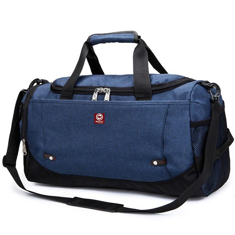 Túi xách du lịch HR224 của thương hiệu Haras (Việt Nam)được gia công từ chất liệu vải bố, có kích thước 51cm x 27cm x 13cm, vừa đủ để chứa tất cả những vật dụng cần thiết tiện lợi khi đi du lịch, chơi thể thao, đi học, đi làm... Những ngăn nhỏ giúp bạn thỏa mái để những vật nhỏ như chìa khóa, cart, thẻ ATM... Túi có thể phối hợp vớinhững trang phục năng động như quần jeans, áo thun phông, áo khoác da, quần lửng kaki... Sản phẩm bảo hành 3 tháng, đang được giảm 48% còn 129.000 đồng.