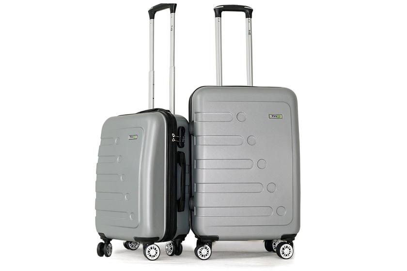 Bộ 2 va li Trip P16, mà bạc gồmmột chiếc size 50 cm (20 inch- đựng được 7 kg hành lý, tiện xách tay) và một chiếc 60 cm (24 inch, loại ký gửi khi đi máy bay). Va lilàm từ nhựa PC kết hợp ABS,chống nước, có 4 bánh xe đôi xoay 360 độ, di chuyển êm. Cần kéo nhôm chắc chắn. Vải lót chống thấm nước. Khóa mật mã 3 số. Sản phẩm xuất xứ Việt Nam, bảo hành 5 năm,giảm giá 31% còn 1.739.000 đồng
