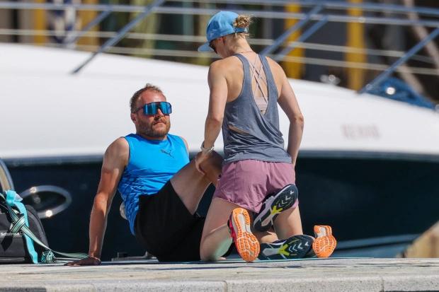 Cặp đôi dành thời gian bên nhau trước khi F1 khởi động sau Covid-19 tại chặng đua ở nước Áo hôm 5/7 tới. 10 chặng trước của mùa giải F1 năm nay đều bị hủy hoặc hoãn vì đại dịch.
