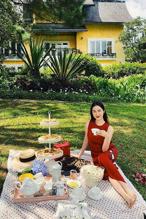 Hòa Minzy hài lòng với cuộc sống viên mãn hiện tại.