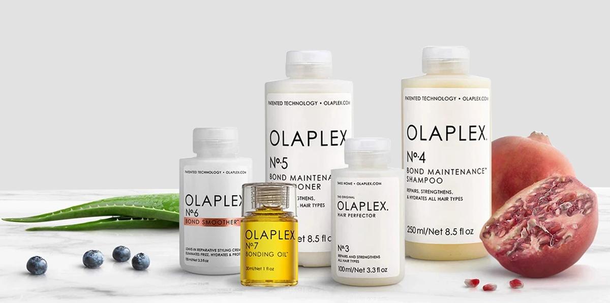Các thương hiệu chăm sóc tóc hàng đầu thế giới được sử dụng như: L'Oreal (Pháp), Schwarzkopf, Goldwell (Đức), Moroccanoil (Israel), Davines, Nashi Argan (Italy); Guy Tang Mydentity, Joico, GKHair (Mỹ)... Không gian rộng rãi thoải mái, trang thiết bị hiện đại cũng là một trong những ưu điểm của trung tâm.