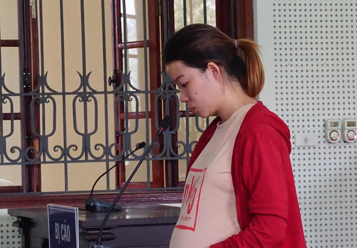 Nguyễn Thị Thắm tại tòa.