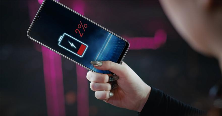 Realme 6i sở hữu pin5.000 mAh sẵn sàng chiến đấu trong khoảng thời gian dài để hạ gục nhiều đối thủ như: Em gái kết nghĩa, Chị hàng xóm...