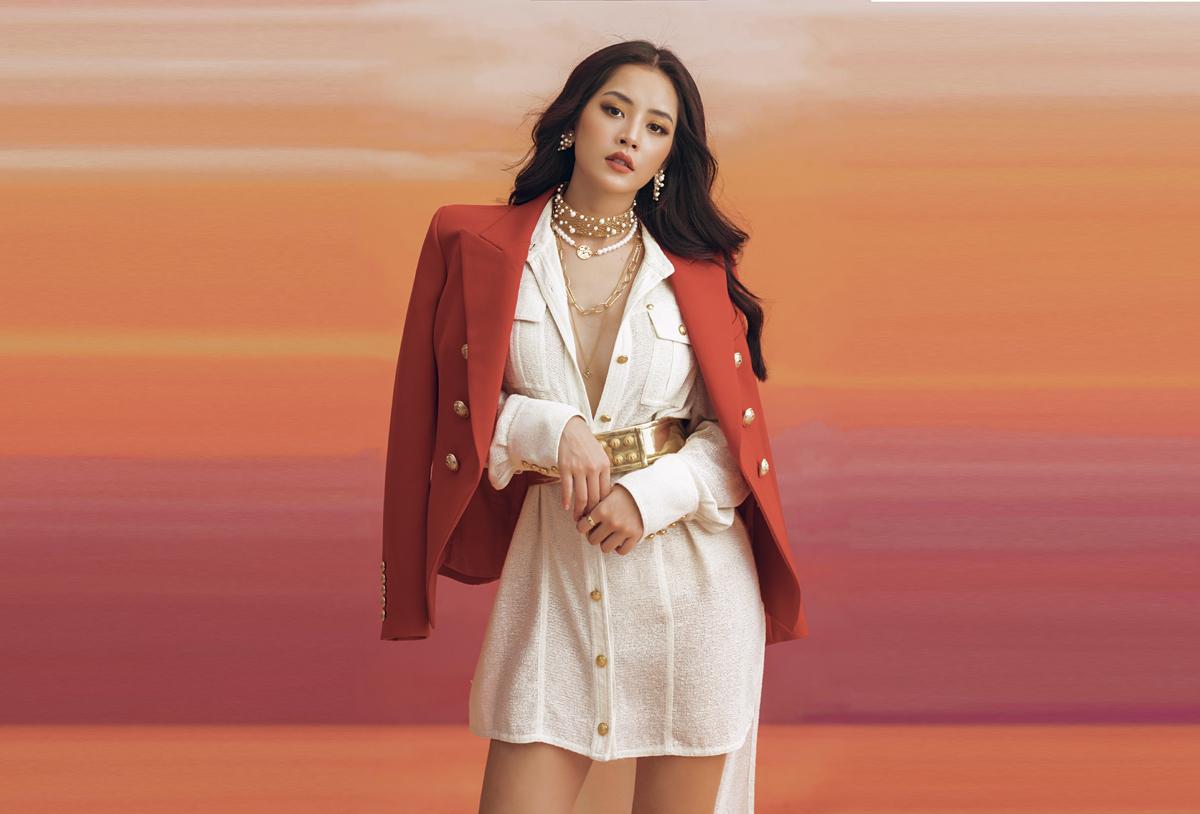Ra mắt MV Cung đàn vỡ đôi sau thời gian dài trì hoãn vì Covid-19, Chi Pu nhận được nhiều lời khen của khán giả vì sự tiến bộ trong giọng hát cũng như việc đầu tư kỹ lưỡng cho sản phẩm mới.