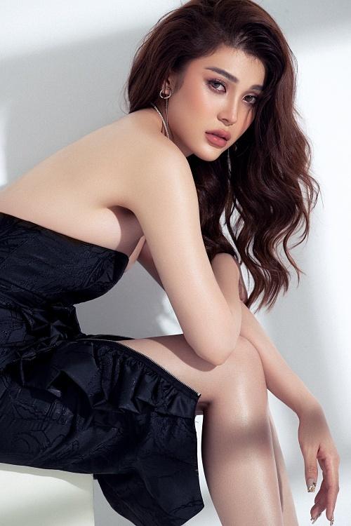 Lily Chen cao 1,71m,