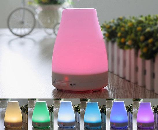 Combo máy khuếch tán tinh dầu led 7 màu FX2012 + sả chanh + bưởi + cam Lorganic (10ml x3) giảm 45% còn 385.000 đồng; tạo không gian thư giản, giảm căng thẳng, tăng tính sáng tạo.
