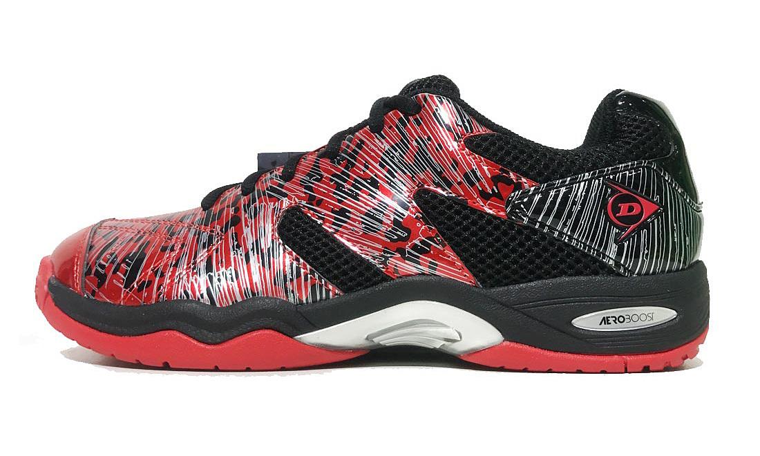 Giày thể thao nam Dunlop - Forcer 101801-R-Bthiết kếhai màu đỏ đenấn tượng. Mũ giầy sử dụng chất liệu không thấm nước, giữ ấm về mùa đông, làm mát về mùa hè, giúp đôi chân người mangluôn thoải mái. Đế giữa giầy có cấu trúc rãnh, cung cấp thêm đệm êm, tăng khả năng chống trơn trượt. Phần gót chân có đệm êm, giúp ôm chặt bàn chân, giảm tối đa các chấn thương ở chân. Đế ngoài giầy làm từcao su tổng hợp nhẹ,có độ dính cao, đem lại sự thoải mái, chống trơn trượt và bám chắc.Sản phẩm có các size từ 40 đến 44, đang được bán với giá ưu đãi 1,147 triệu đồng.