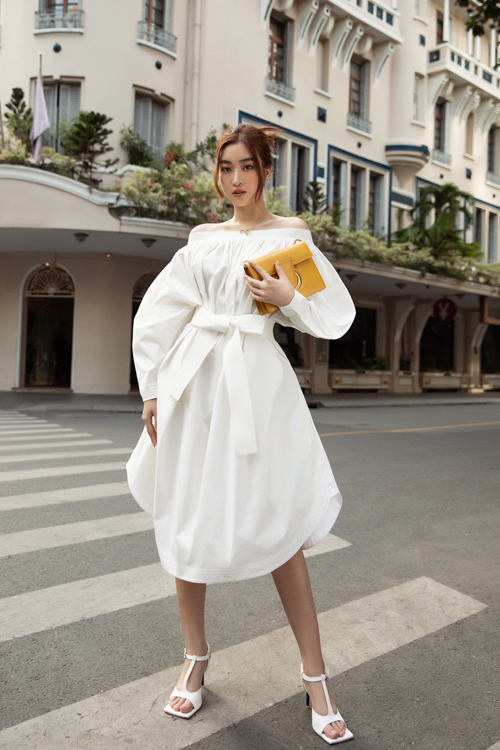 Hoa hậu Đỗ Mỹ Linh, Tiểu Vy đọ street style - 12