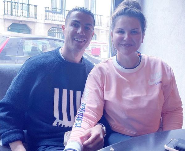 C. Ronaldo và chị gái Katia. Ảnh: Instagram.