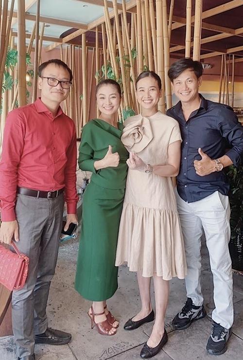 Từ trái qua: ông xã Diệu Hương, diễn viên Diệu Hương, Dương Mỹ Linh và Võ Thành Tâm.
