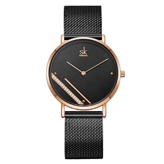 Đồng hồ nữ chính hãng Shengke UK 11K0106L 899.000 đồng; đường kính 36 mm, kích thước dây18 mm; chất liệu vỏ hợp kim, chống nước.
