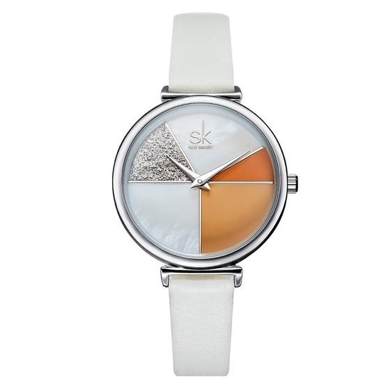 Đồng hồ nữ chính hãng Shengke UK 11K0109L 699.000 đồng; đường kính 32 mm, kích thước dây 11 mm; chống nước 3ATM; dây da chính hãng.