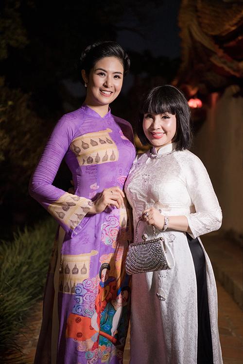 NSND Lan Hương Em bé Hà Nội...
