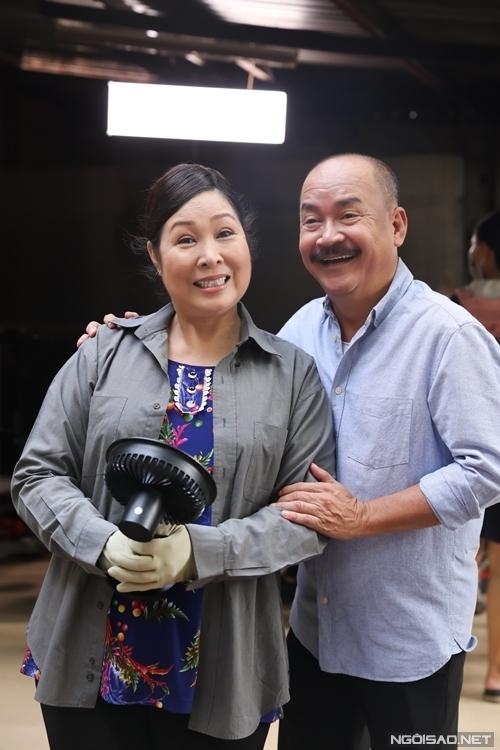 NSND Hồng Vân và nghệ sĩ Hoàng Sơn trong tạo hình của nhân vật phim Đại Kê chạy đi. Ảnh: Maison de Bil.