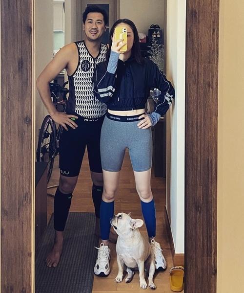 Hôm 27/6, Linh Rin khoe trang phục thể thao mới mua để chuẩn bị tham gia giải chạy tại Đà Nẵng cùng bạn trai.