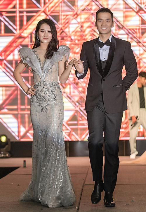 Không phải người mẫu chuyên nghiệp nhưng nhiều tiếp viên sở hữu chiều cao và hình thể ấn tượng.