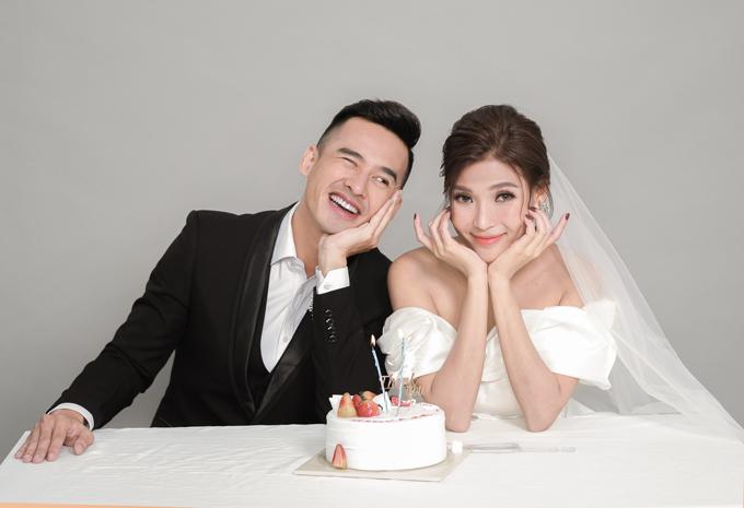 Lương Thế Thành - Thúy Diễm một lần nữa có dịp làm cô dâu, chú rể trong bộ ảnh thời trang mới.