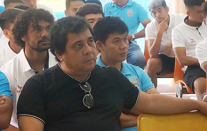 HLV Carlos Oliveira.