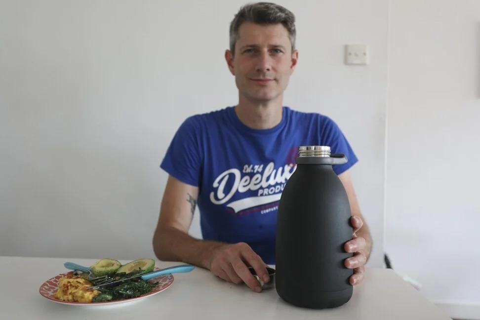 Thầy giáo người Pháp nói không với đường, đồ uống có cồn và uống nhiều nước trong ngày.