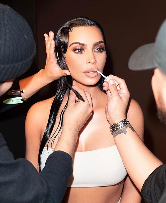 Kim và cô em út Kylie Jenner là hai chị em thành công và có tầm ảnh hưởng nhất nhà Kardashian.