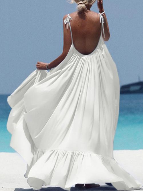 Trang phục đi biển dành cho các nàng dáng mảnh muốn thể hiện vẻ đẹp mong manh, gợi cảm.