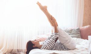 7 phút tập luyện trên giường tăng kích thước vòng ba