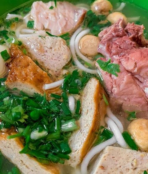 [Caption]   Đã xác minh Bánh canh cá Phan Thiết, ko thấy bánh canh đâu toàn thịt cá thôi, ngon lắm nha