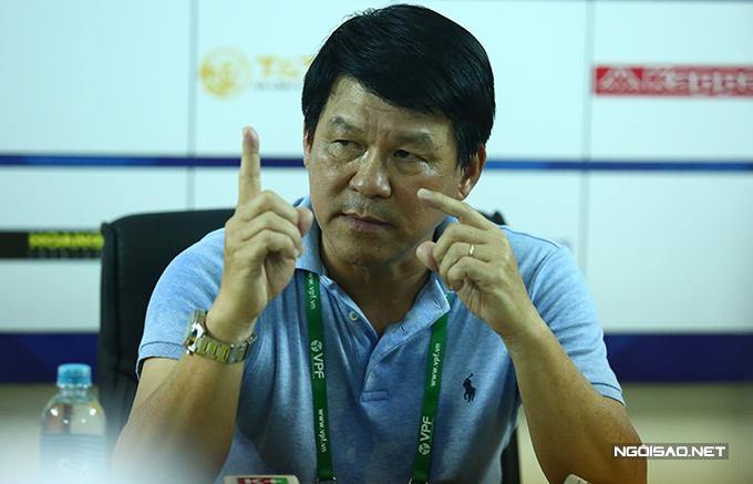 Trả lời họp báo, Chủ tịch kiêm HLV CLB Sài Gòn Vũ Tiến Thành cho rằng