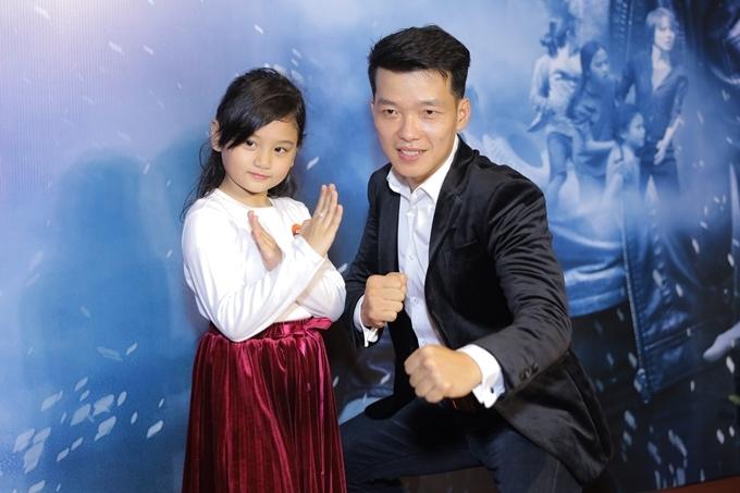 Diễn viên nhí Mona Bảo Tiên (từng đóng vai Trà Long 6 tuổi trong phim Mắt biếc) tham gia một vai trong phim Đỉnh mù sương.