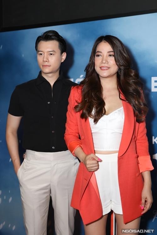 Trương Ngọc Ánh và nam diễn viên kém 14 tuổi vướng tin đồn hẹn hò từ tháng 10 năm ngoái. Thời gian dài gần đây, họ luôn đi chung trong các sự kiện cả ở Việt Nam lẫn nước ngoài.
