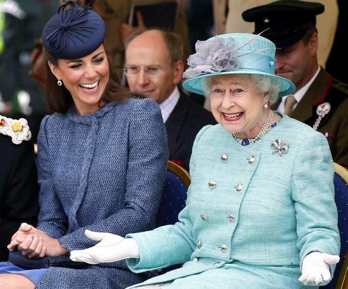 Kate nhận được sự yêu mến của hầu hết các thành viên hoàng gia, trong đó có Nữ hoàng Elizabeth II. Ảnh: PA.
