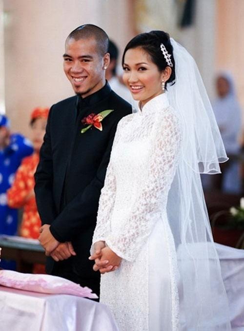 Kim Hiền và chồng cũ trong đám cưới năm 2010.