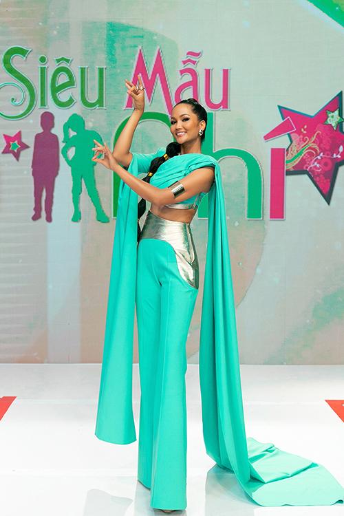 HHen Niê làm công chúa Jasmine - 4