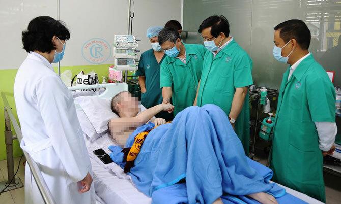 Bệnh nhân phi công sẽ tiếp tục được hồi phục chức năng đến khi xuất viện về nước.